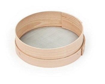Κόσκινο ξύλινο για αλεύρι με μεταλλική σίτα 24εκ